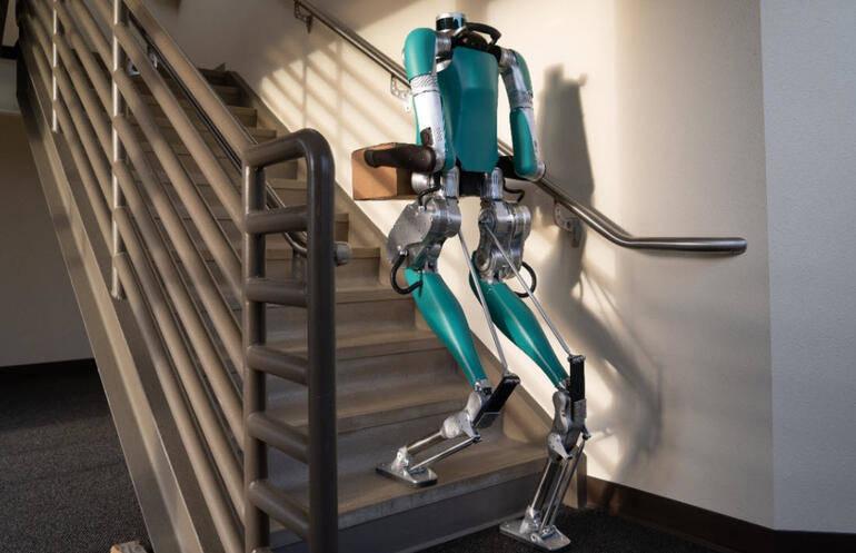 insan gibi hareket eden robot digit ile ilgili görsel sonucu