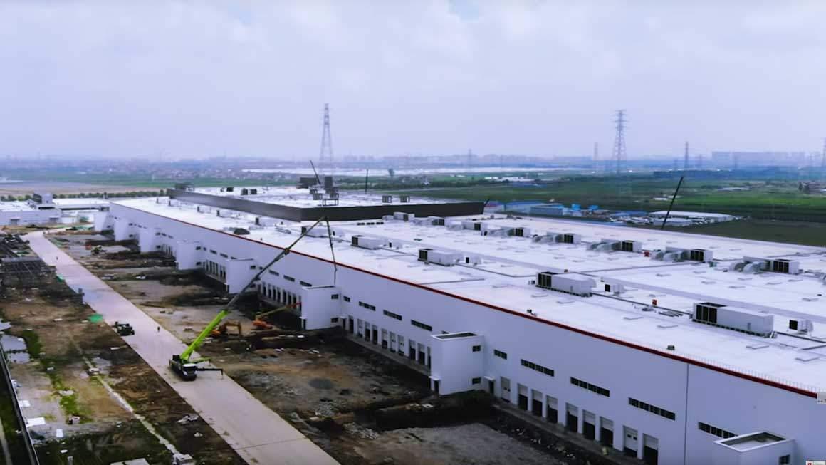 tesla shanghai factory ile ilgili görsel sonucu