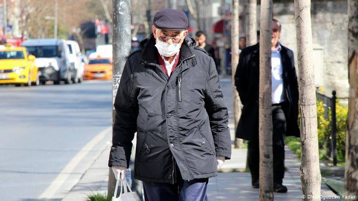 65 yaş üstüne sokağa çıkma yasağı