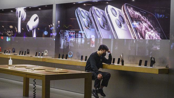Apple, tüm mağazalarını kapatıyor