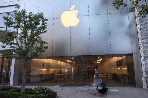 ABD 'de Apple Mağazaları Yağmalandı