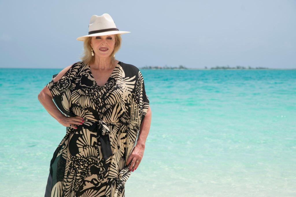 Joanna Lumley ile Gizemli Karayipler