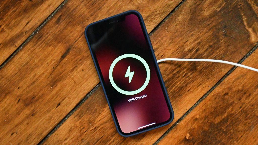 iPhone 12 Pro Batarya